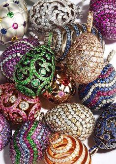 POST: Los exclusivos huevos de @OfficialFaberge ahora en tu muñeca http://www.misterbag.es/charms-huevos-faberge/ … #charms #fabergé
