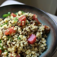 Phase 1 (Omit oil) Millet, Lentil, and Tomato Salad makes a delicious, filling lunch for 2 (or a scrumptious side dish to take to a cookout). Vegan Vegetarian, Vegetarian Recipes, Diet Recipes, Cooking Recipes, Healthy Recipes, Healthy Foods, Healthy Grains, Recipies, Fast Metabolism Recipes