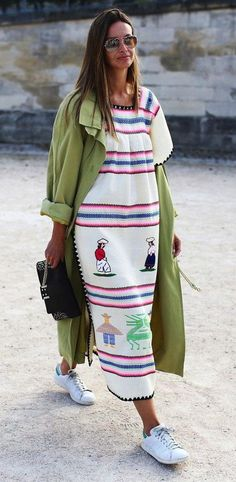 A Street Style Guide to Summer Dressing: 21 Frocks Guaranteed to Turn Heads – Vogue Magazine A Street Style Guide to Summer Dressing: 21 Frocks Guaranteed to Turn Heads The easygoing appeal of an embroidered summertime frock Street Style Outfits, Looks Street Style, Mode Outfits, Fashion Outfits, Fashion Clothes, Sneakers Fashion, Dress And Sneakers Outfit, Mode Cool, Mode Hippie