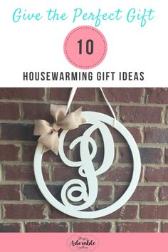 Circle Monogram Door Hanger...I am in love with our circle monogram door hanger. It will make a statement on your front door. The door hanger can be customized to match your décor. Visit our website www.simplyadorablecreations.comto check out all of our designs. Wedding Present Ideas, Wedding Gifts, Neutral Wedding Colors, Mr And Mrs Wedding, Circle Monogram, Diy Presents, Diy Door, Bride Gifts, Diy Painting