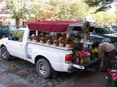 Bartlett's Farm Flowers, Main Street Nantucket by morganfweber Nantucket Home, Nantucket Baskets, Nantucket Island, Weekend In New England, New England Travel, Flower Truck, Flower Cart, Fancy Shop, Flowers For Sale