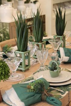 Try a fun succulent table. Elegant Table Settings, Beautiful Table Settings, Lunch Table, Dinner Table, Green Centerpieces, Green Table, Deco Table, Decoration Table, Place Settings