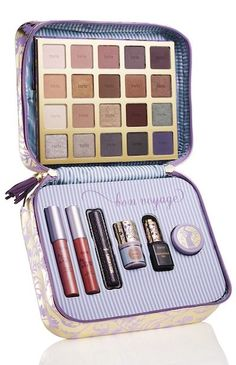 Review, Swatches: tarte Sweet Dreams Holiday 2014 Collection – Bon Voyage Collector's Set & Travel Bag, in Up Girl Amazonian Clay Blush Palette, Away Oui Go Portable Palette & Collector's Set, Kiss & Belle LipSurgence Lip @tarteCosmetics