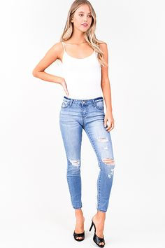 4c17135f18e8 distressed ripped fitted skinny jeans CollectiveStyles.com ♥ Fashion |  Women apparel | Women's Clothes