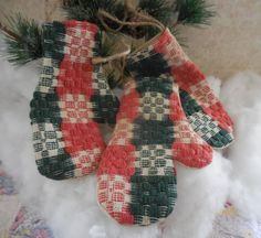 Handmade Vintage Woven Red & Green Coverlet Mitten Ornaments Bowl Fillers Christmas Gift by #auntiemeowsprims on Etsy