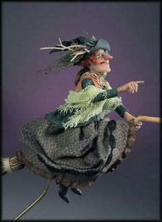I'd love this witch in my kitchen! She has so much character :-) Halloween Doll, Fall Halloween, Halloween Crafts, Halloween Decorations, Halloween Witches, Ooak Dolls, Art Dolls, Marionette, Polymer Clay Dolls