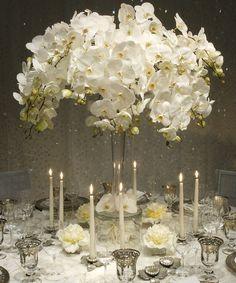 beautiful bridal table centerpiece!