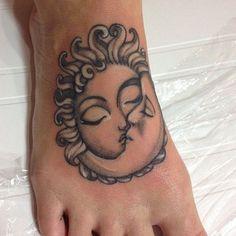 moon+tattoo+designs+(31)