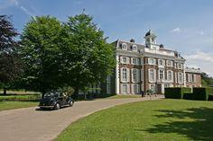 Het Poortgebouw (@hetpoortgebouw) • Instagram-foto's en -video's Dutch, Country Houses, Mansions, House Styles, Instagram, The Hague, Architecture, Country Cottages, Dutch Language