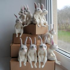 Felting projects - Loyalty in the Eyes Realistic Felted Pets by Eve Teras – Felting projects Easter Crafts, Felt Crafts, Diy And Crafts, Needle Felted Animals, Felt Animals, Wet Felting, Needle Felting, Bunny Art, Felt Toys