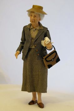 Miss Marple with gloves. miniature doll by Sherri Colvin Agatha Christie, Dollhouse Dolls, Miniature Dolls, Dollhouse Miniatures, Dolls House Figures, Marionette, Miss Marple, Polymer Clay Miniatures, Tiny Dolls