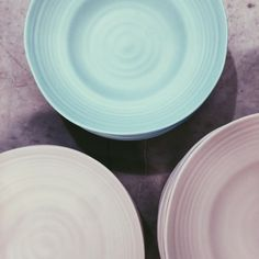perfect for picnics, boats and kids! Picnic Plates, Beach Furniture, French Industrial, Kitchenware, Tableware, Picnics, Country Style, Boats, Tables