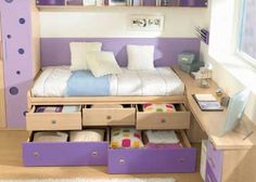 A decoração de um quarto infantil é uma tarefa que vai além da estética, pois a criança precisa se sentir bem no quarto e precisa de espaço para brincar. Se tratando dos pequenos apartamentos que v…