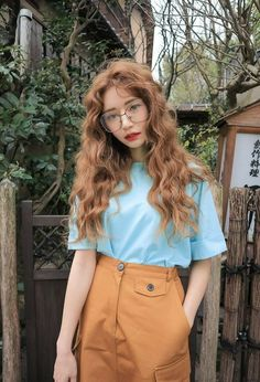 Korean Fashion Trends you can Steal – Designer Fashion Tips Fashion Mode, Fashion Beauty, Girl Fashion, Style Fashion, 70s Fashion, Trendy Fashion, Vintage Fashion, Korean Fashion Trends, Asian Fashion