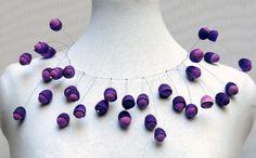 Gargantilla Cocoon violeta