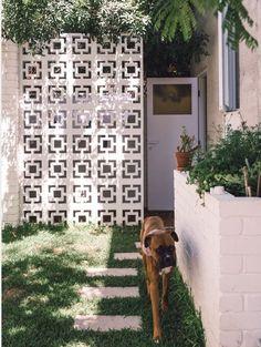 41 Flawless Breeze Blocks Design Ideas For Elegant Home, Breeze Block Wall, Elegant Homes, Home Fashion, Garden Inspiration, Exterior Design, Beautiful Homes, Pergola, Backyard, House Design