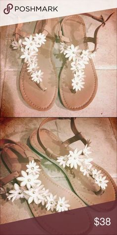 SODA Sandals White floral sandals Beige base Size 5 Bought on NastyGal Soda Shoes Sandals