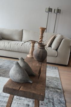 My fiance's parents have a table like this for their coffee table