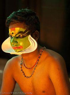 Kathakali Dancer preperation
