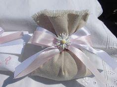 bomboniere ricamate di sara: il sacchettino in lino