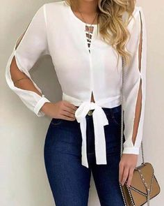 Blouse designs - The awesome fashion jeans Basic Outfits, Cool Outfits, Casual Outfits, Blouse Styles, Blouse Designs, Mode Jeans, Mode Chic, Blouse Outfit, Jeans Style