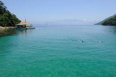 As águas da Lagoa Azul são bem claras e tranquilas, o que faz com que ela seja um ótimo ponto de mergulho