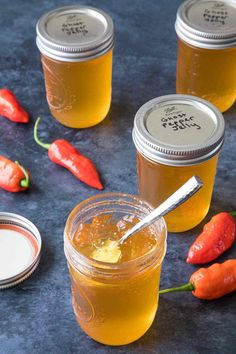 Ghost Pepper Jelly - Recipe - Chili Pepper Madness Chili Pepper Jelly Recipe, Jalapeno Jelly Recipes, Pepper Jelly Recipes, Hot Pepper Jelly, Jam Recipes, Canning Recipes, Chili Recipes, Yummy Recipes, Ghost Peppers