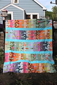 :: Sew Sweetness: Tula Pink Sew Along: Dream Weaver :: I like how the vertical bars are broken up by the smaller strips!