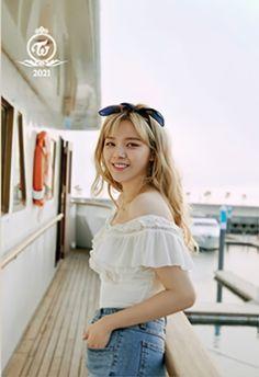 Korean Women, South Korean Girls, Korean Girl Groups, Nayeon, Girl Group Pictures, I Fancy You, Twice Jungyeon, Greetings Images, Dance The Night Away