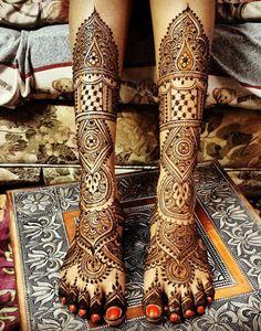 Indian Wedding Feet Henna #henna #mehndi
