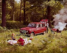 Renault 4 and a barbecue