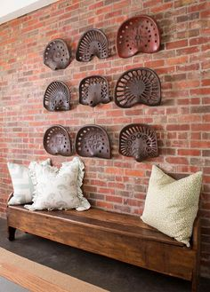 House of Turquoise: M. Barnes and Co. Antique Decor, Rustic Decor, Vintage Decor, Rustic Bench, Unique Vintage, Cheap Home Decor, Diy Home Decor, Home Interior, Interior Design