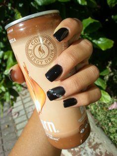 Uñas acrílicas decoradas con esmalte permanente negro y toques mate  Más trabajos en http://www.facebook.com/patriciajimeneznails  #nails #nailart #nailpolish #uñas #manicura #manicure