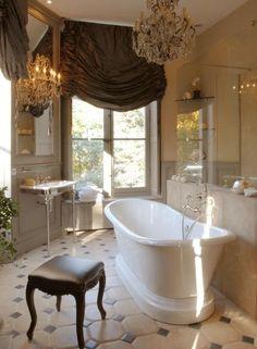 Gorgeous bathroom interior design ideas and decor. Dream Bathrooms, Beautiful Bathrooms, Modern Bathroom, Master Bathroom, French Bathroom, Country Bathrooms, Design Bathroom, Glamorous Bathroom, Bathroom Interior