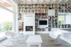 La larga casa de ladrillo  / Foldes Architects
