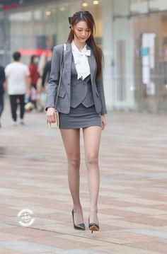 Asian Fashion, Girl Fashion, Womens Fashion, Beautiful Asian Women, Beautiful Legs, Formal Suits, China Girl, Short Outfits, Asian Woman