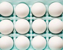 Fotografía de huevo, comida, desayuno, caja de cartón, todavía foto de la vida, la menta, trullo, blanco, en colores pastel, arte de la pared de la cocina,, impresión caprichosa de bellas artes, impresión 8x10
