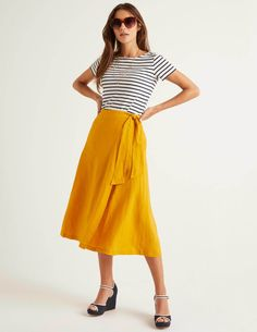 Radlett Linen Wrap Skirt Yellow Women Boden - Female - Yellow - Size: 22 R Fit And Flare Rock, Fit And Flare Skirt, Yellow Skirt Outfits, Flare Skirt Outfit, Mustard Skirt, Party Kleidung, Ootd, Linen Skirt, Outfits