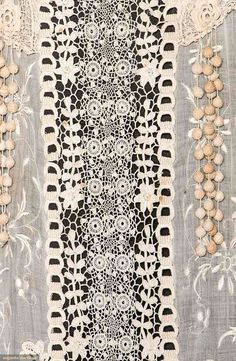 Tea Gown (image 4) | 1918 | Irish crochet lace | Augusta Auctions | April 8, 2015/Lot 93