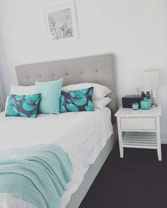 "34 Likes, 11 Comments - Belle Roser (Farley) (@belle_roser) on Instagram: ""Spring has sprung 🙌🏼🌺☀️ time for a freshen up of the spare bedroom 😉 #springclean #mint #crisplinen…"""