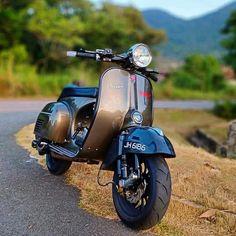 from - - Vespa - Motorrad Vespa Gts, Piaggio Vespa, Px 125 Vespa, Vespa Bike, Motos Vespa, Vespa Sprint, Moped Scooter, Vespa Lambretta, Retro Scooter