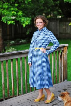 Think this is a shirtdress? Think again! Michelle is an illusionist with this #vintagepledge