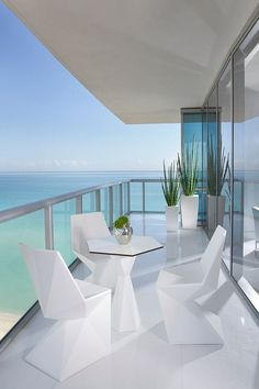 This is how I'm imagining my contemporary dream beach home to look. a girl can dream...