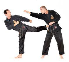 Union West-Wien, Kung Fu, Kicks, Kampfkunst, Gesundheitslehre, Selbstverteidigung, Mönchssport, Lehre des Waffenlosen Kampfs, Verein