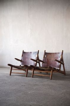 scandinaviancollectors:  Børge Mogensen (1914 - 1972), a pair of Hunting Chairs in oak, leather and brass, 1950 by Erhard Rasmussen, Denmark...