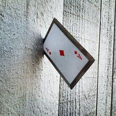 Cartas de metal afiladas para lanzar | La Guarida Geek