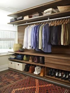 Walk In Closet Ideas - Seeking some fresh ideas to renovate your closet? See our gallery of leading luxury walk in closet design ideas and photos. Walk In Closet Design, Bedroom Closet Design, Master Bedroom Closet, Wardrobe Design, Closet Designs, Design Room, Wardrobe Closet, Closet Space, Open Wardrobe
