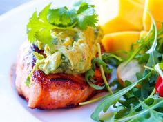 Fitfocuse - eat- move - inspire Salmon Burgers, Guacamole, Mango, Inspire, Eat, Ethnic Recipes, Food, Blogging, Manga