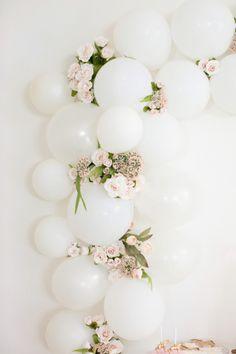 Wedding Decorations Elegant White Bridal Shower 18 Ideas - New ideas Bridal Shower Balloons, White Bridal Shower, Wedding Balloons, Bridal Shower Decorations, Wedding Decorations, Birthday Balloons, Balloon Garland, Balloon Decorations, Birthday Decorations