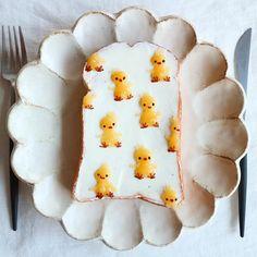 Little chick toast art by (@nayoko054)